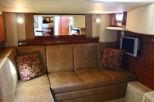 Searay-40-interior-design
