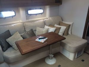 Sealine-40-Interiror-Yacht-Rental-Miami