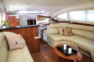50-Sea-Ray-Yacht-Inside-2
