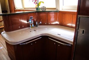 50-Sea-Ray-Yacht-Kitchen